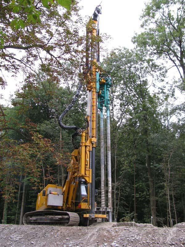 Máquina usada na fundação de prédios